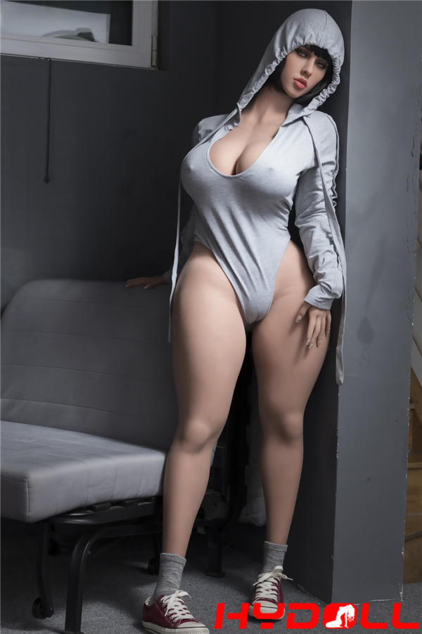 Schlanke sexy Sexpuppe