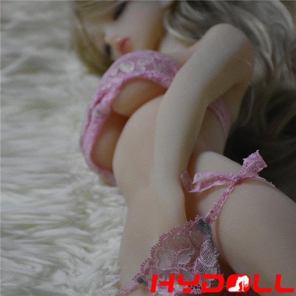 Sexpuppe mit langen Haaren