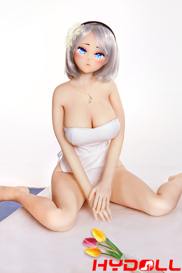 riesige brust sexpuppe